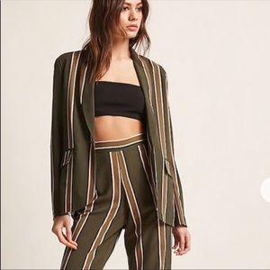 Matching striped blazer and culottes set ❤️